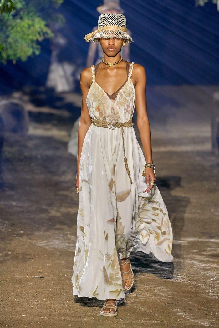 Тренды в одежде 2020 весна-лето. Коллекция Christian Dior