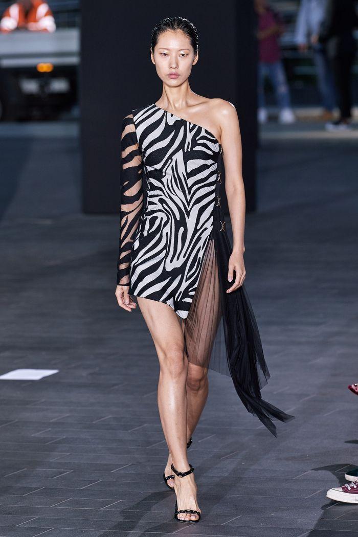 Модные принты в женской одежде 2020. Коллекция David Koma