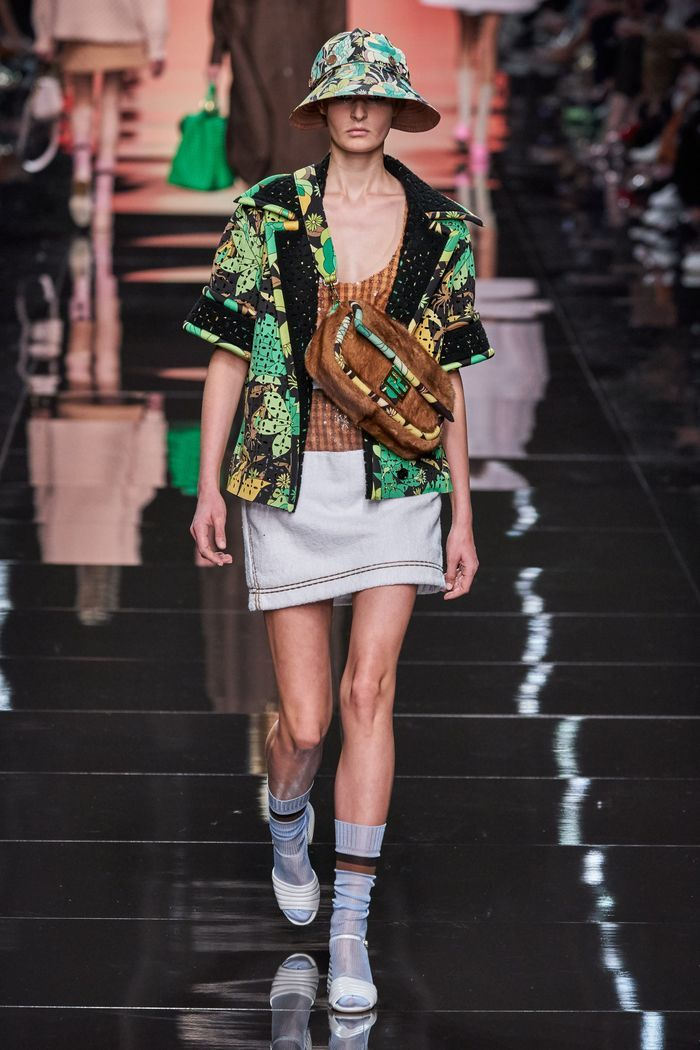 Модные принты в женской одежде 2020. Коллекция Fendi