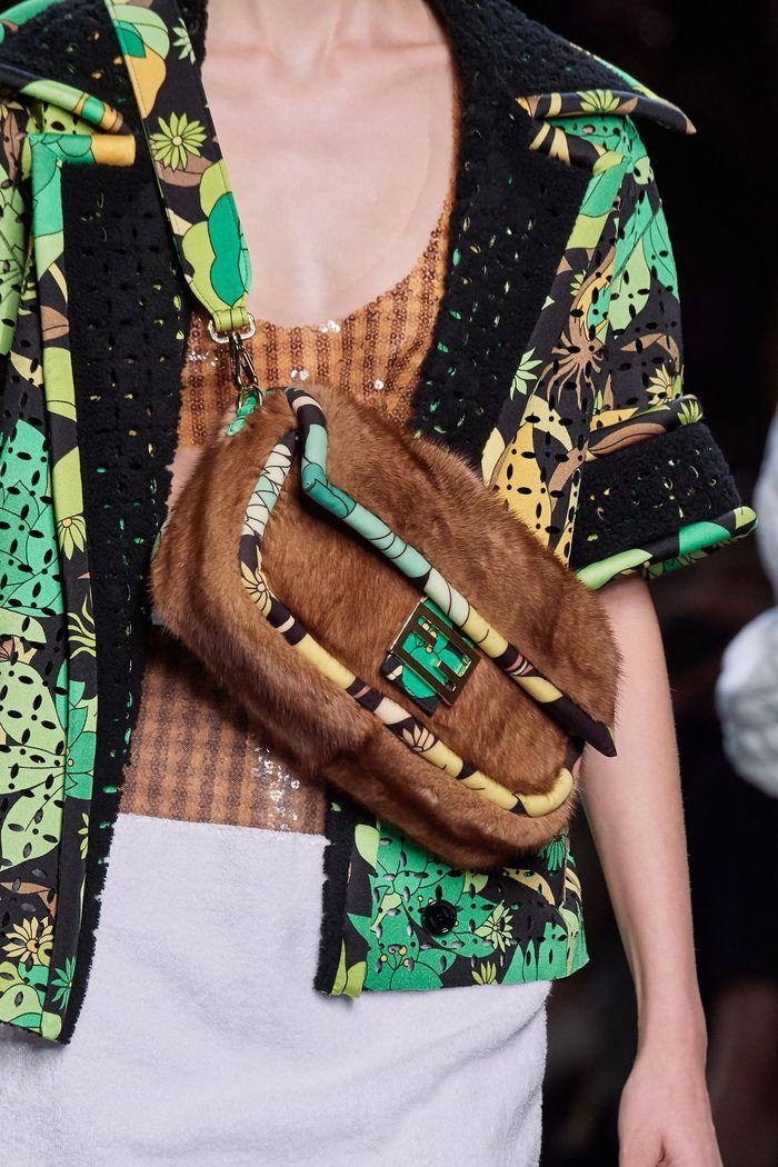 Модная сумка 2020 с мехом из коллекции Fendi