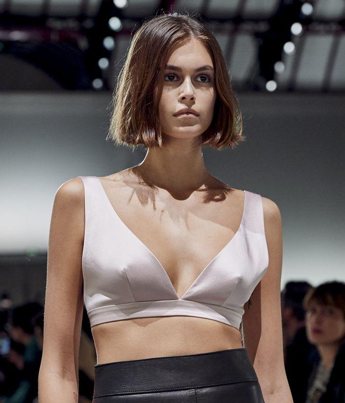 Стрижки моделей на показе Givenchy 2020