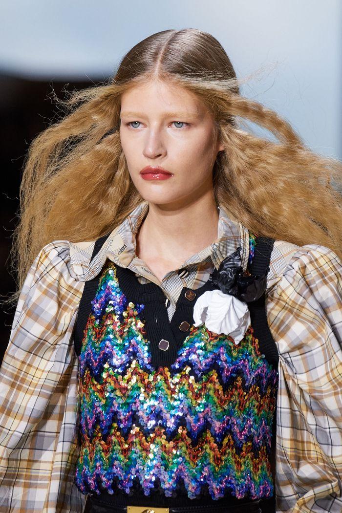 Стрижки моделей на показе Louis Vuitton 2020
