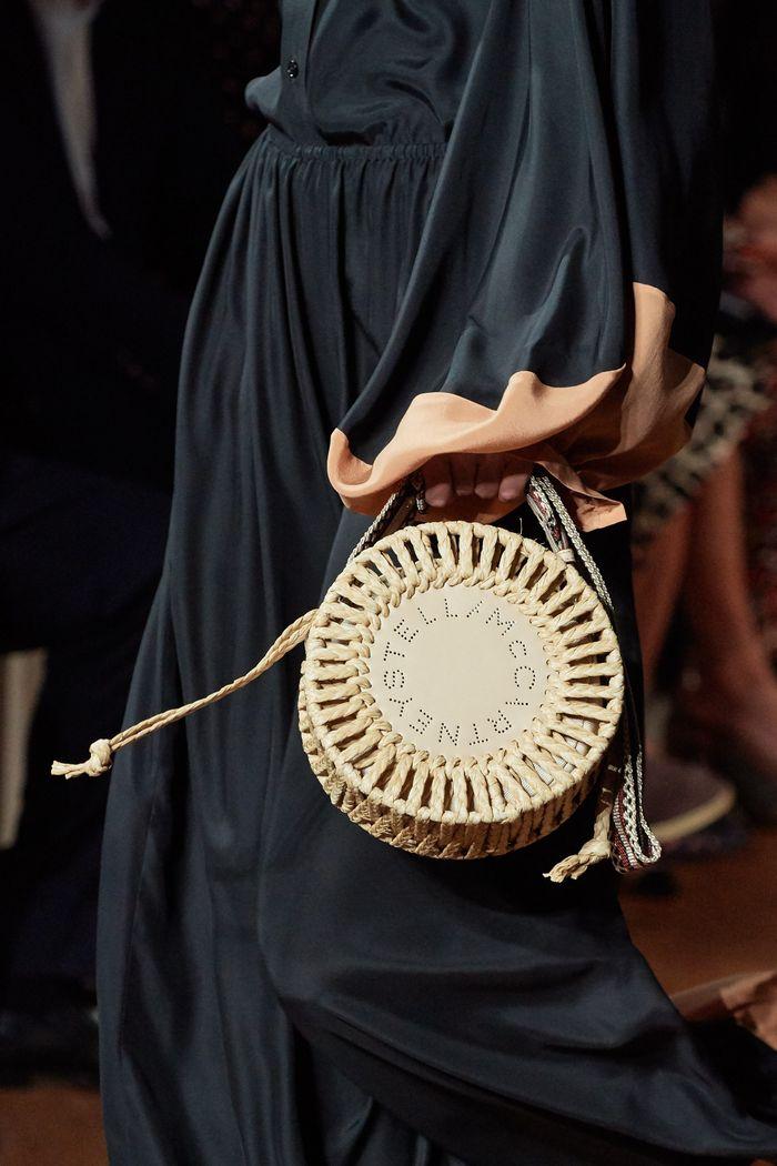 Модные круглые сумки 2020 из коллекции Stella McCartney