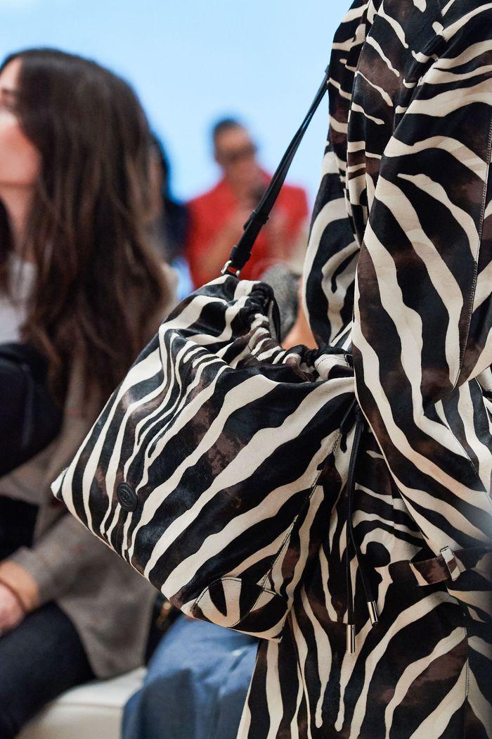 Модная сумка с принтом зебры из коллекции Tod's
