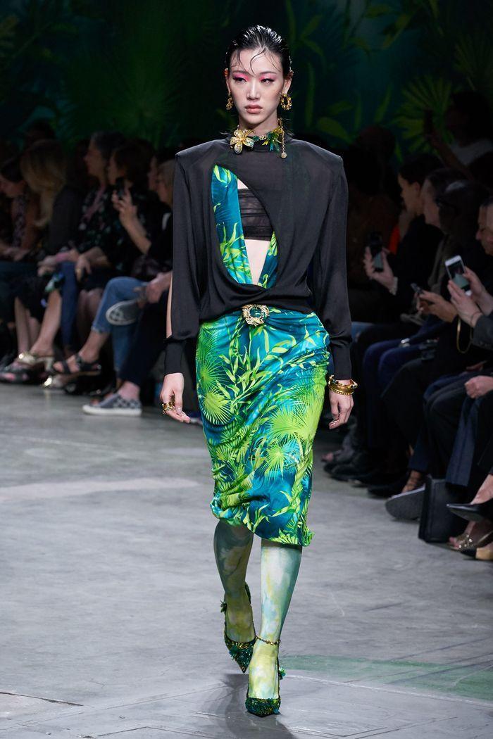 Модные принты в женской одежде 2020. Коллекция Versace