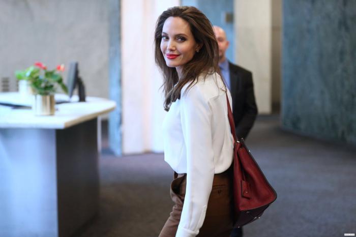 Правила стиля Анджелины Джоли. Разбираем образы