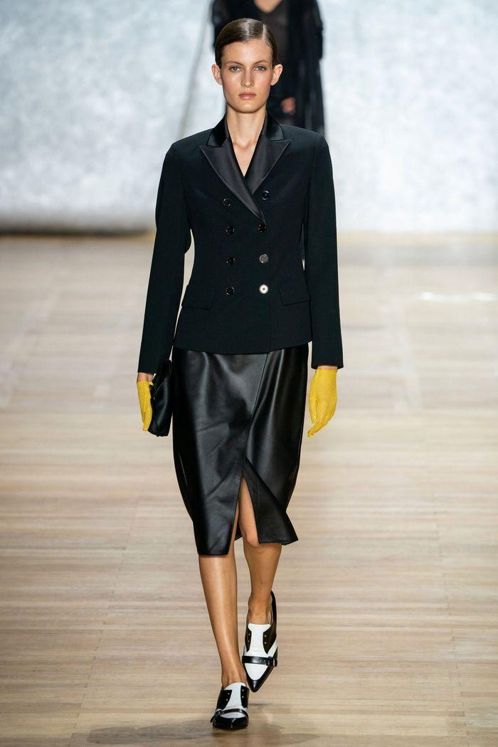 Модная юбка 2020 с запахом из коллекции Akris