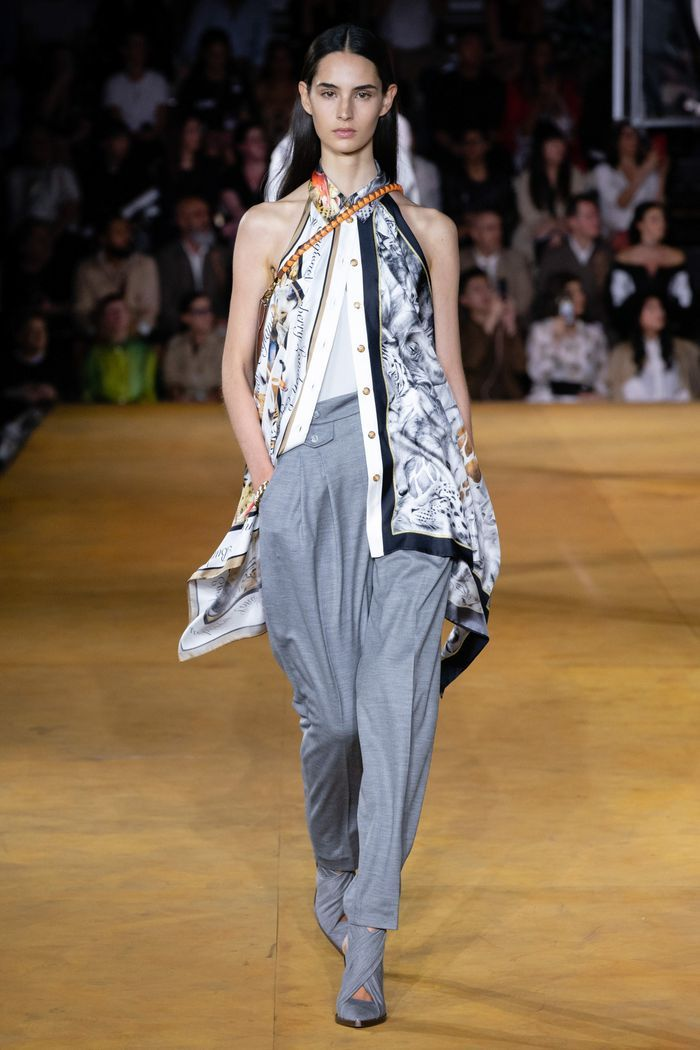 Модные брюки-бананы 2020 из коллекции Burberry