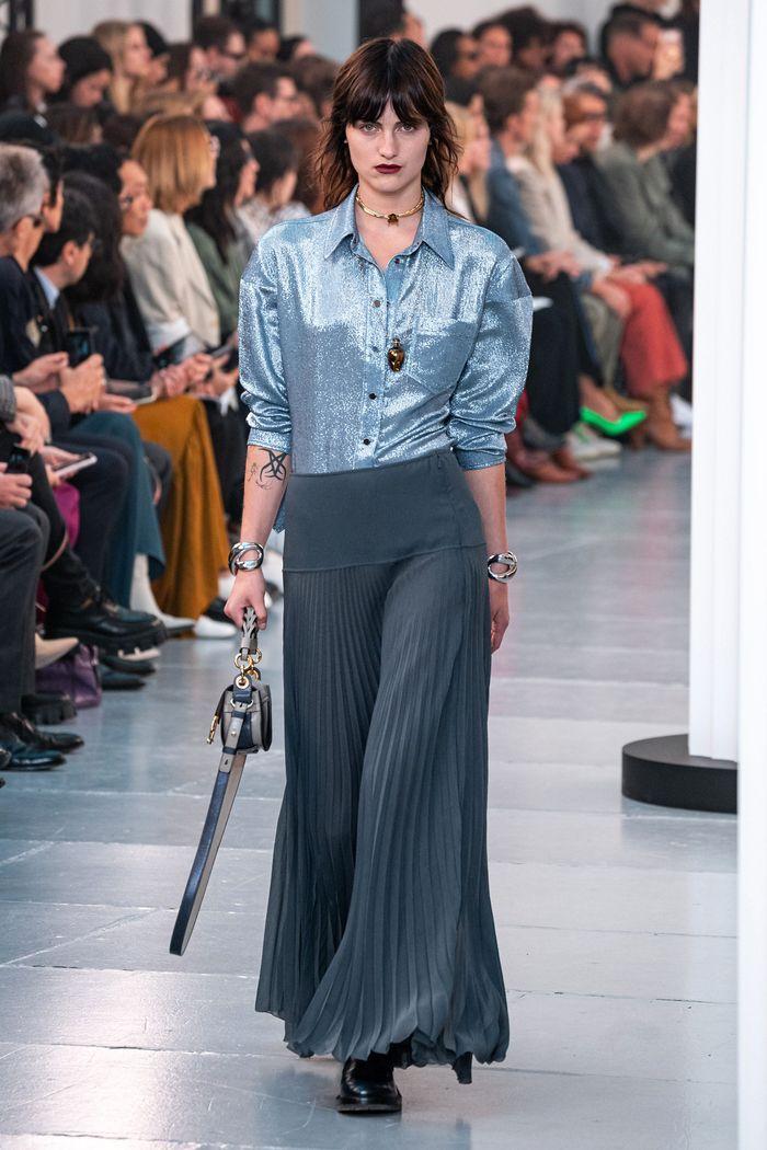 Модные юбка-брюки плиссе 2020 из коллекции Chloé