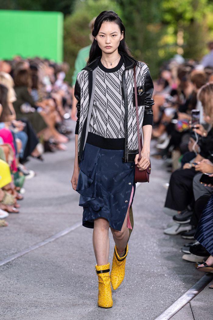 Модная юбка 2020 с пуговицами из коллекции Coach
