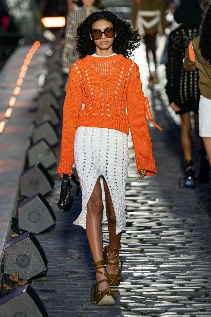 Модная вязаная юбка 2020 из коллекции Courrèges
