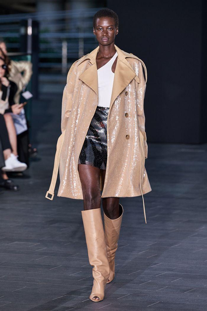 Модная короткая юбка с завышенной талией из коллекции 2020 David Koma