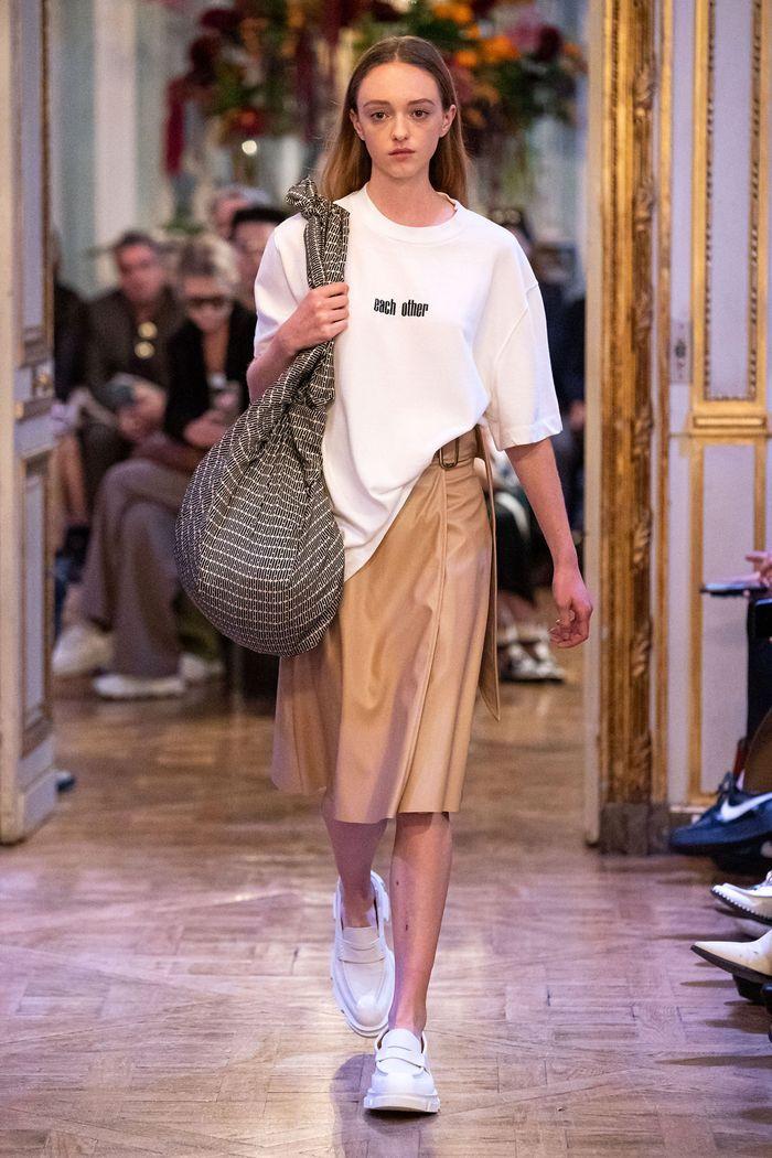 Модная бежевая юбка 2020 из коллекции Each x Other