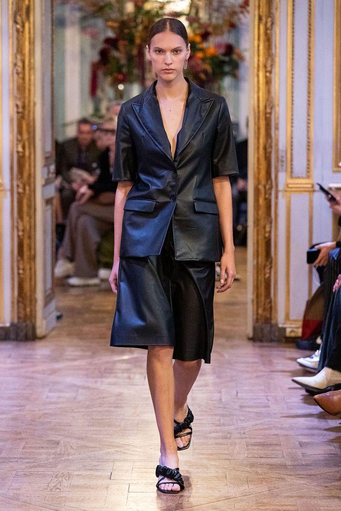 Модная юбка-шорты 2020 из коллекции Each x Other