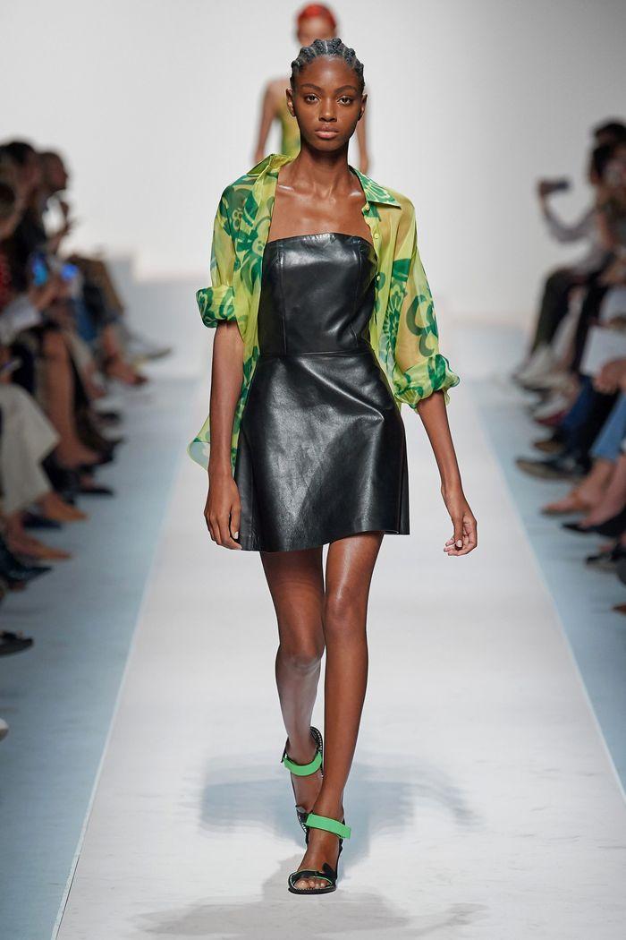 Модное платье из коллекции Ermanno Scervino