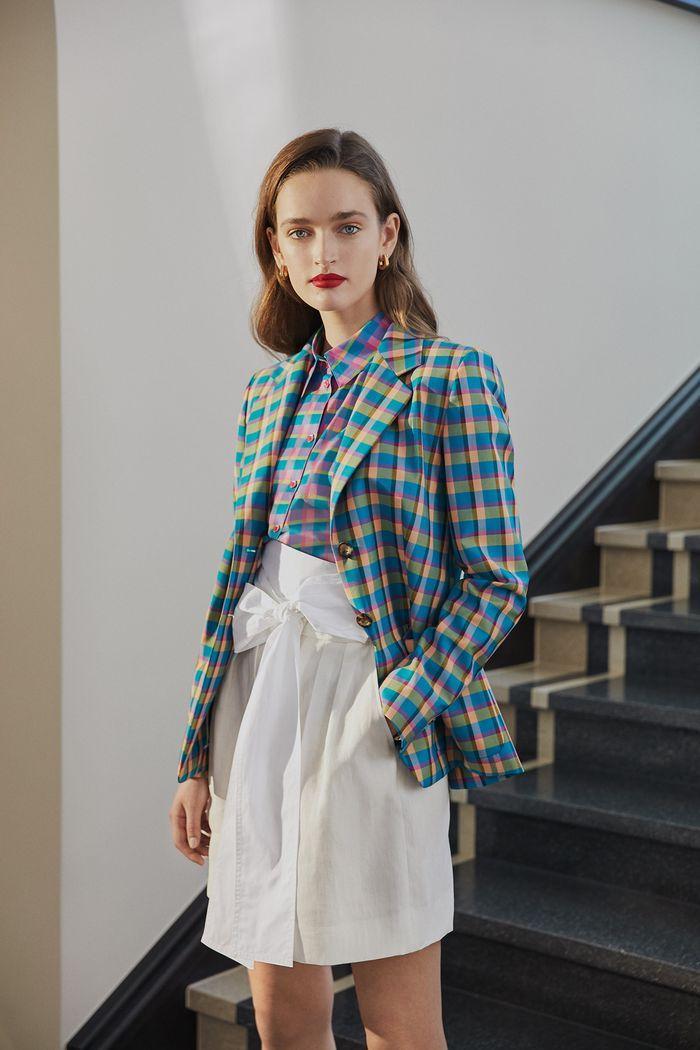 Модная короткая юбка с завышенной талией из коллекции 2020 Escada