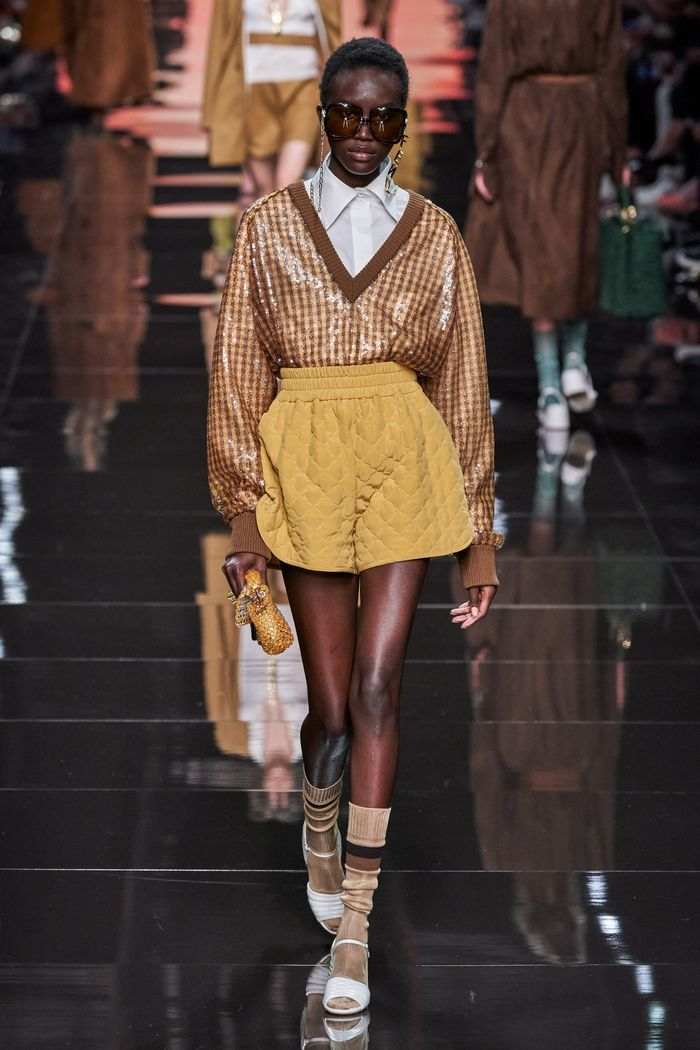 Модная юбка-шорты 2020 из коллекции Fendi