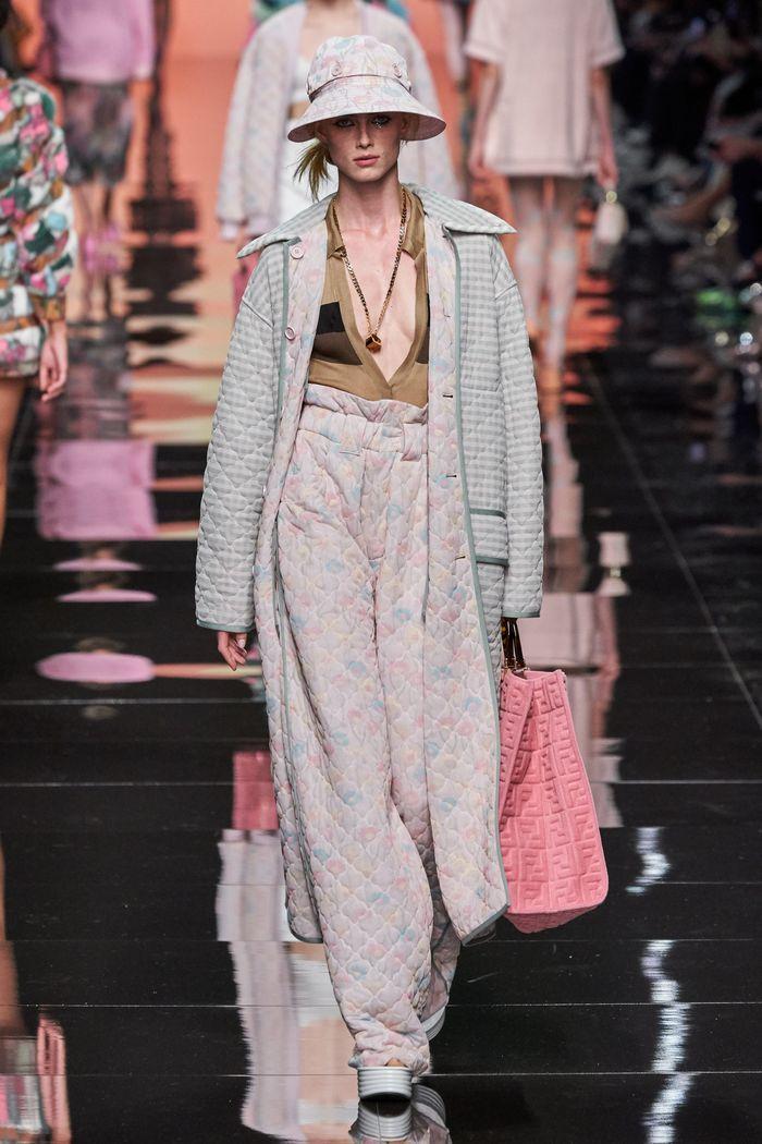 Модные стеганые брюки из коллекции Fendi