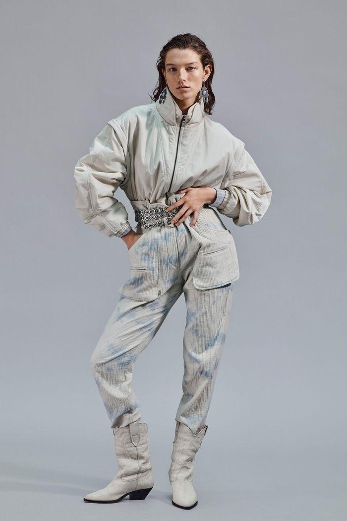 С чем носить брюки-бананы осенью и весной. Образ из коллекции Isabel Marant
