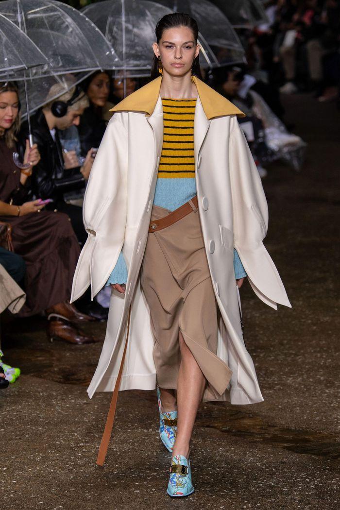 Модная бежевая юбка 2020 из коллекции Lanvin