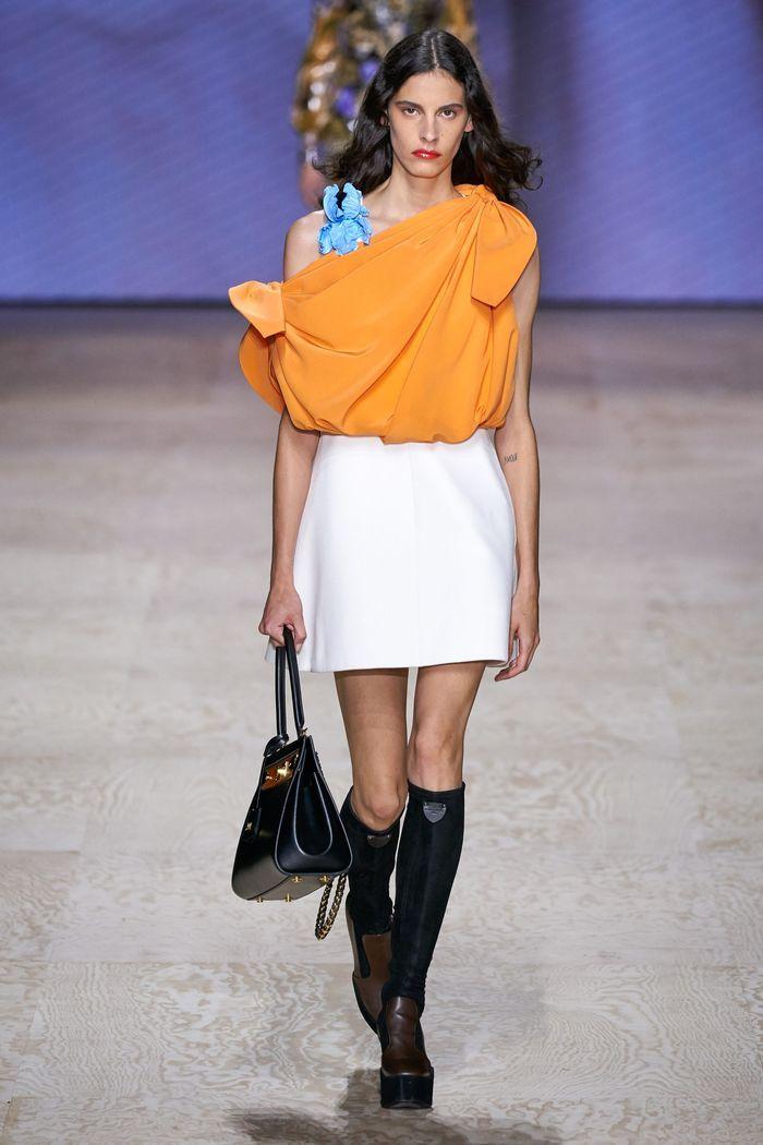Модная белая юбка 2020 из коллекции Louis Vuitton
