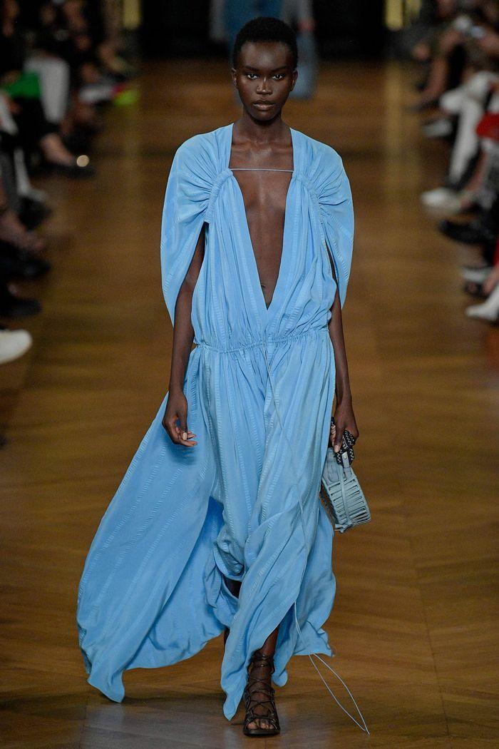 Модные цвета платьев 2020. Коллекция Stella McCartney