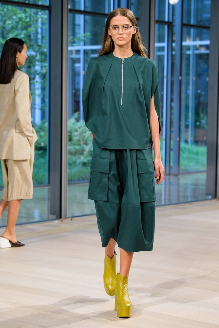 Модная юбка 2020 с накладными карманами из коллекции Tibi