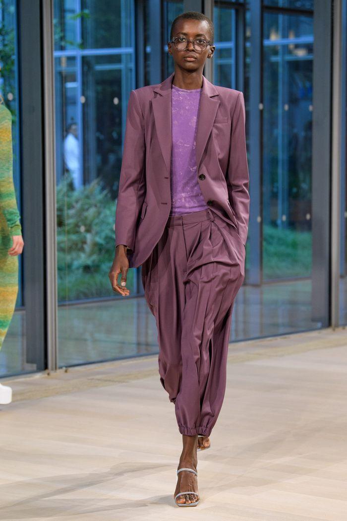 Модные брюки 2020 с манжетой из коллекции Tibi