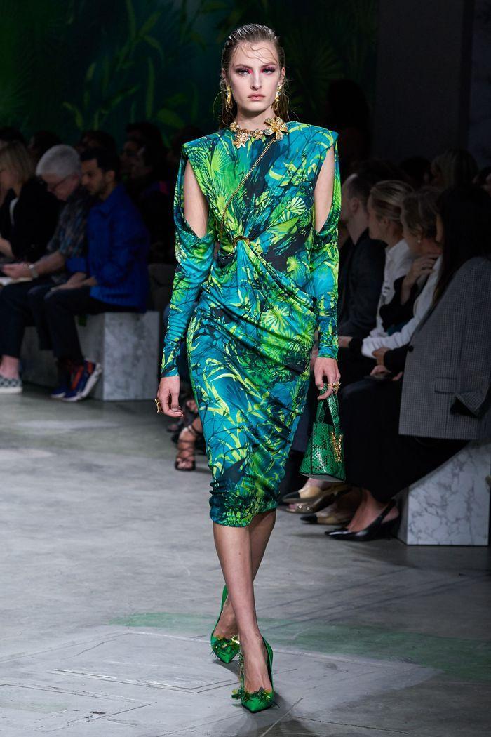 Модные принты платьев 2020. Коллекция Versace
