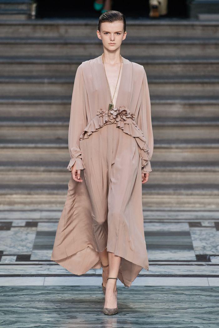 Модные цвета платьев 2020. Коллекция Victoria Beckham