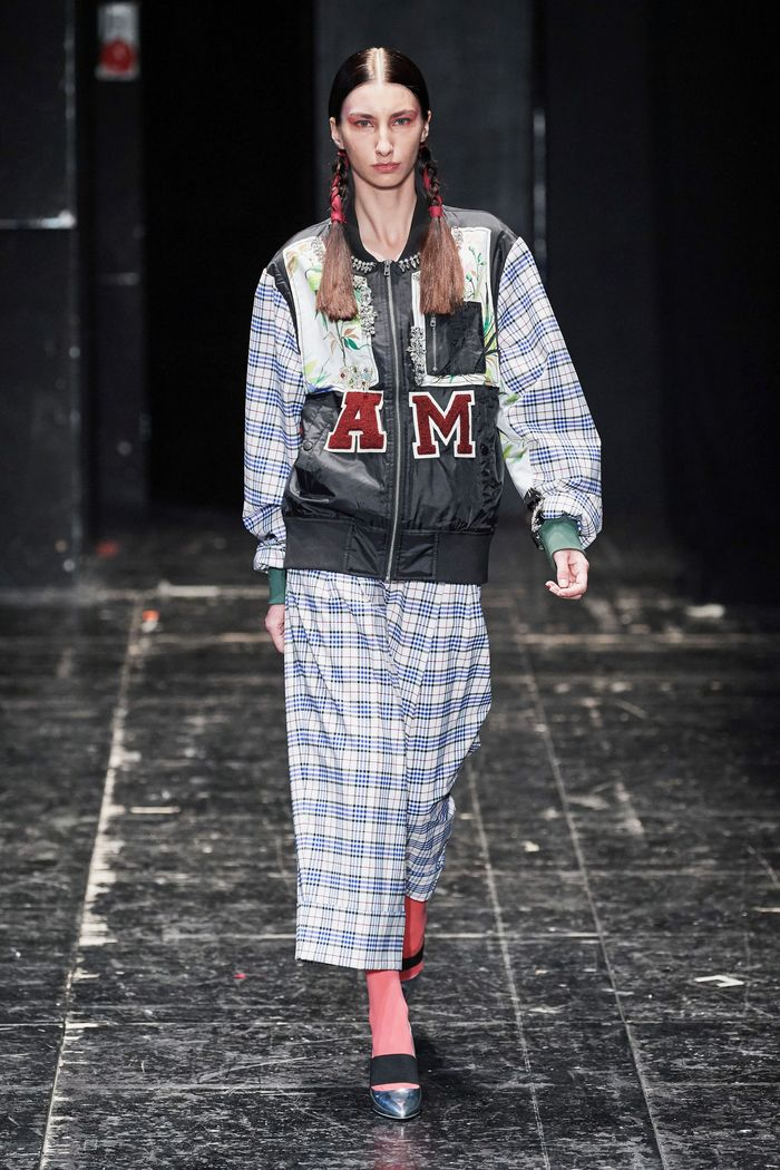 Модная куртка бомбер 2020 из коллекции Antonio Marras