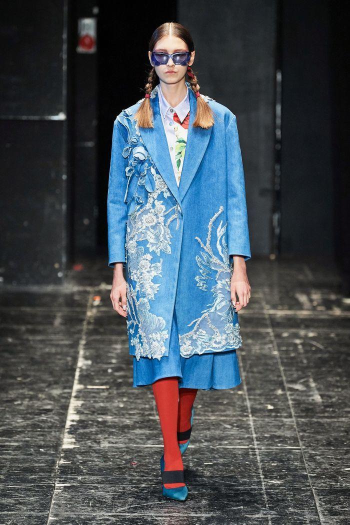 Модное пальто из коллекции весна 2020 Antonio Marras