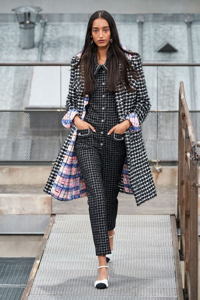 Модное пальто из коллекции весна 2020 Chanel