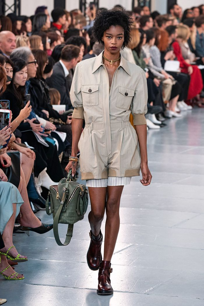 Модный комбинезон с шортами из коллекции весна-лето 2020 Chloé