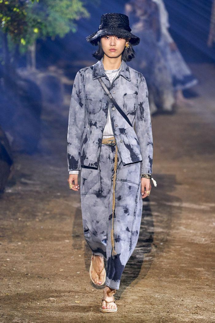 Модная джинсовая куртка 2020 из коллекции Christian Dior