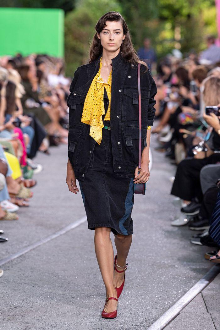 Модные куртки с накладными карманами 2020 из коллекции Coach
