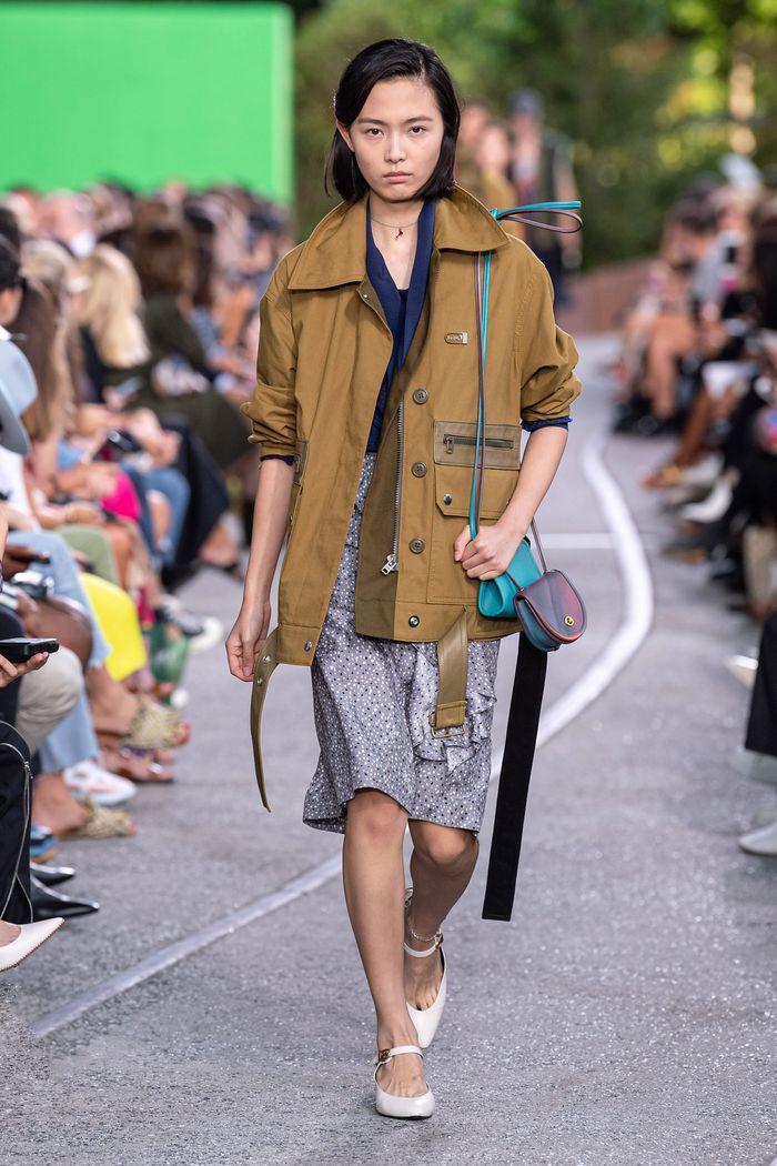Модные ветровки 2020 с накладными карманами из коллекции Coach