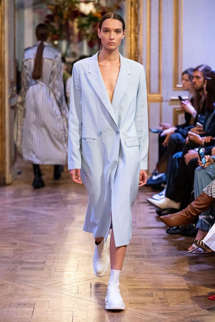 Модное пальто из коллекции весна 2020 Each x Other