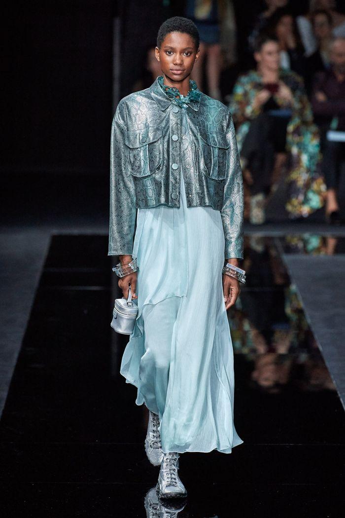 Модная кожаная куртка 2020 из коллекции Emporio Armani