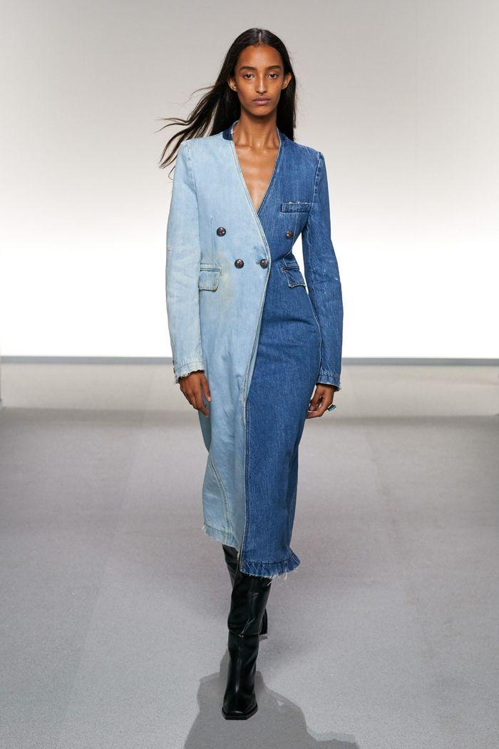 Модное пальто из коллекции весна 2020 Givenchy