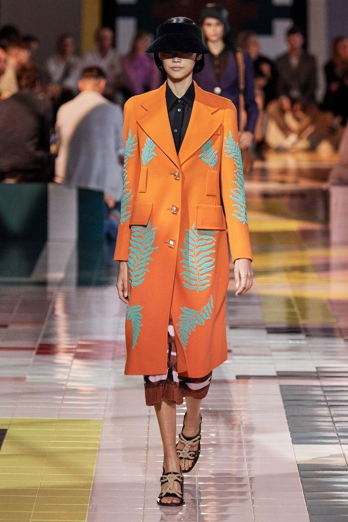 Модное пальто из коллекции весна 2020 Prada