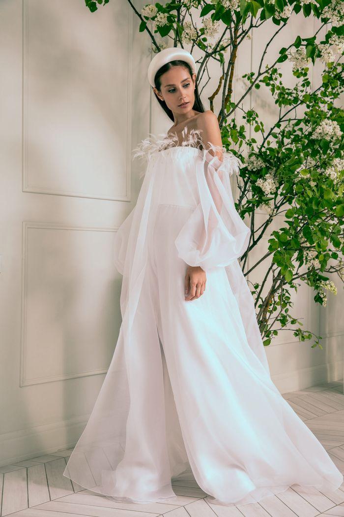Модное свадебное платье в длинными рукавами из коллекции 2020 Anastasia Zadorina