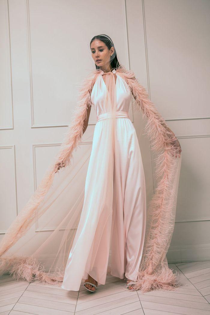 Модное свадебное платье в бельевом стиле из коллекции 2020 Anastasia Zadorina