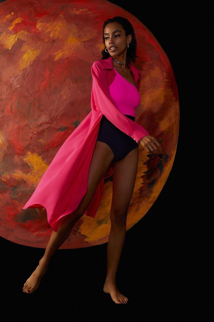 Модное пляжное платье-рубашка 2020 из коллекции Bodypoetry