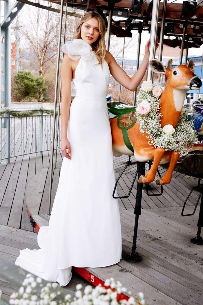 Модное свадебное платье с цветком из коллекции 2020 Lela Rose