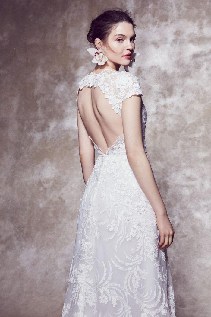 Тренд свадебной моды 2020 - свадебные аксессуары с живыми цветами. Коллекция Marchesa
