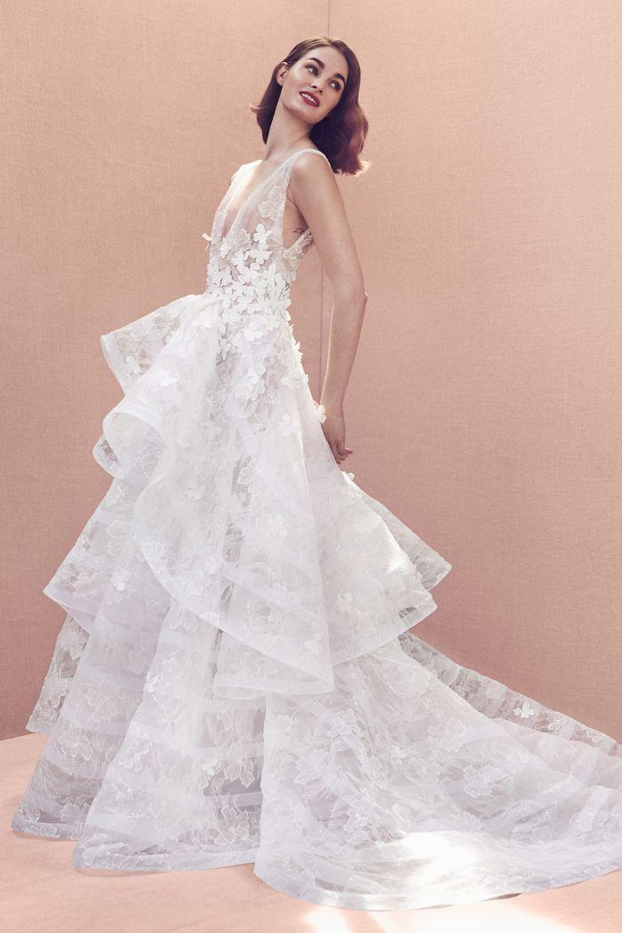 Модное свадебное платье с воланами из коллекции 2020 Oscar de la Renta