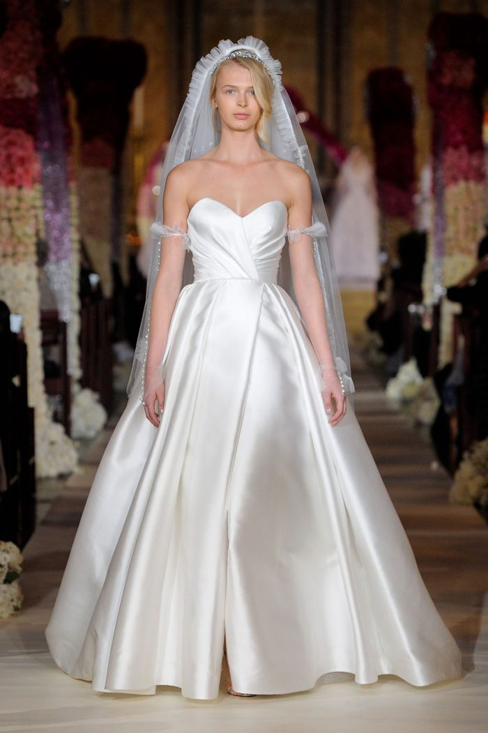 Пышное свадебное платье из коллекции 2020 Reem Acra
