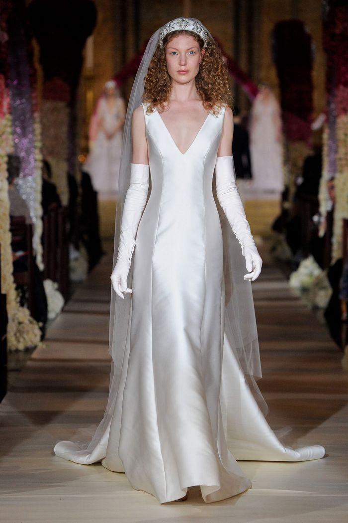 Тренд свадебной моды 2020 - ободок. Коллекция Reem Acra