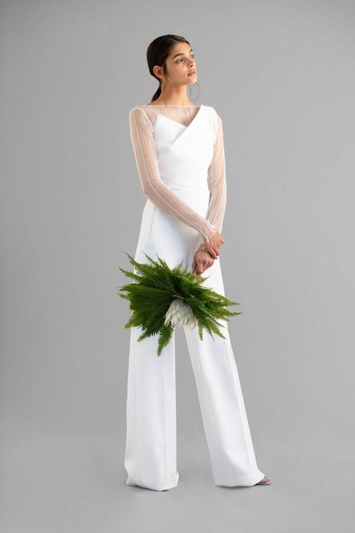 Тренд свадебной моды 2020 - оригинальные свадебные букеты. Коллекция Roland Mouret
